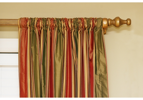 Curtain rod pocket